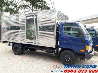 Giá xe HD700 Đồng Vàng Thùng Kín