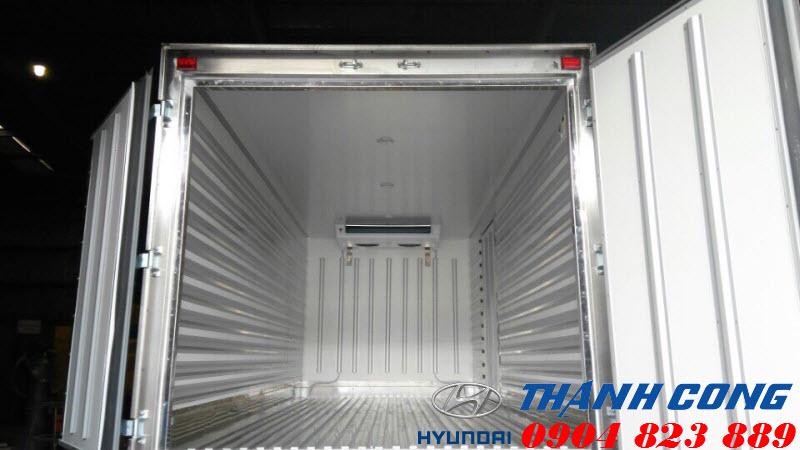 Xe tải 7 tấn HD700 Đồng Vàng Thùng Đông Lạnh