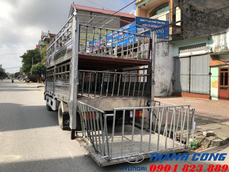 Xe tải chở lợn 2 tầng Đô Thành IZ65 Gold