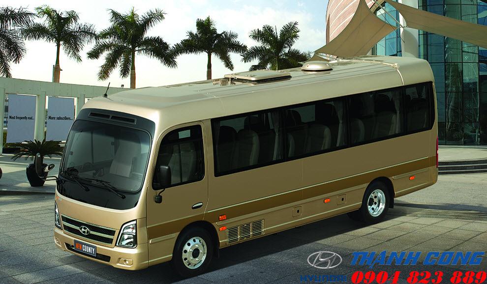 Xe khách 29 chỗ Hyundai County Thân Dài đời mới