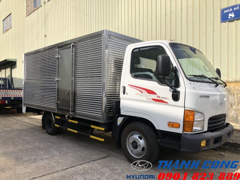 Xe tải Hyundai N250SL Thùng Kín 2.5 Tấn