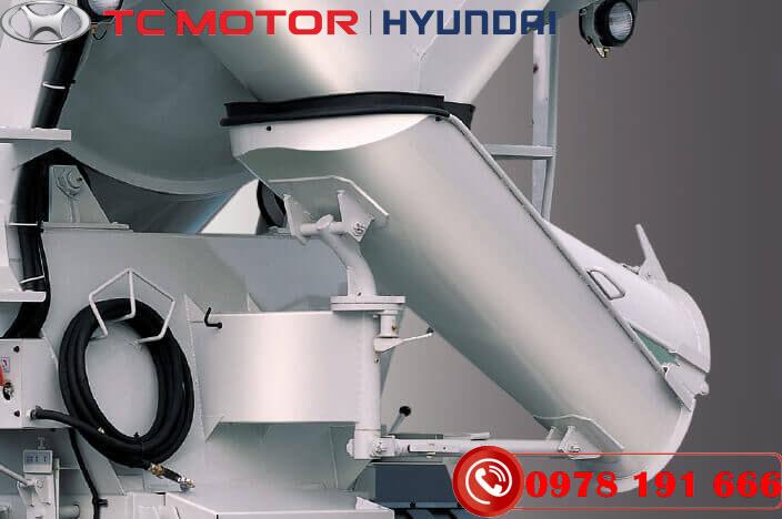Xe trộn bê tông Hyundai HD270 Mixer 7 Khối