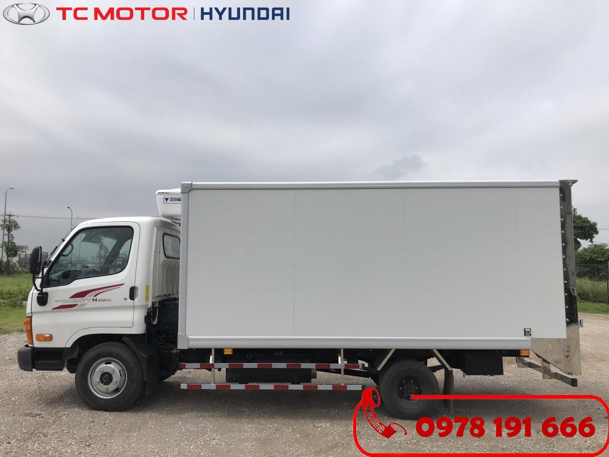 Xe tải Hyundai New Mighty N250SL Thùng Đông Lạnh 2.5 Tấn